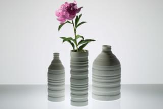 Groove Vases  von  Niche Modern