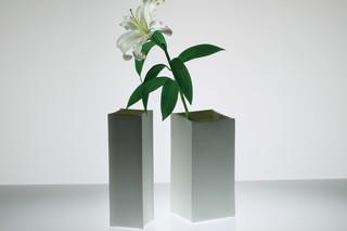Pinch Vases  von  Niche Modern
