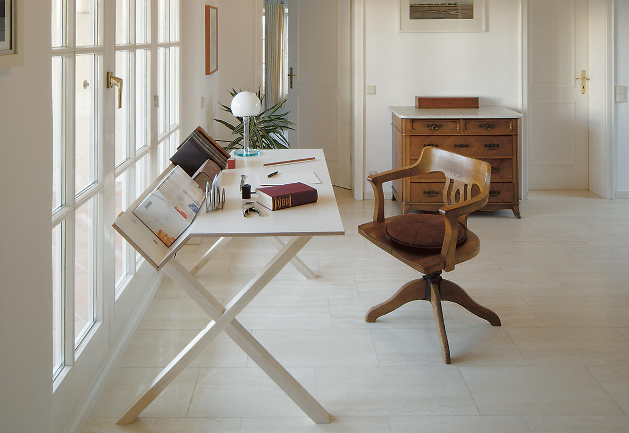 kant by nils holger moormann stylepark. Black Bedroom Furniture Sets. Home Design Ideas