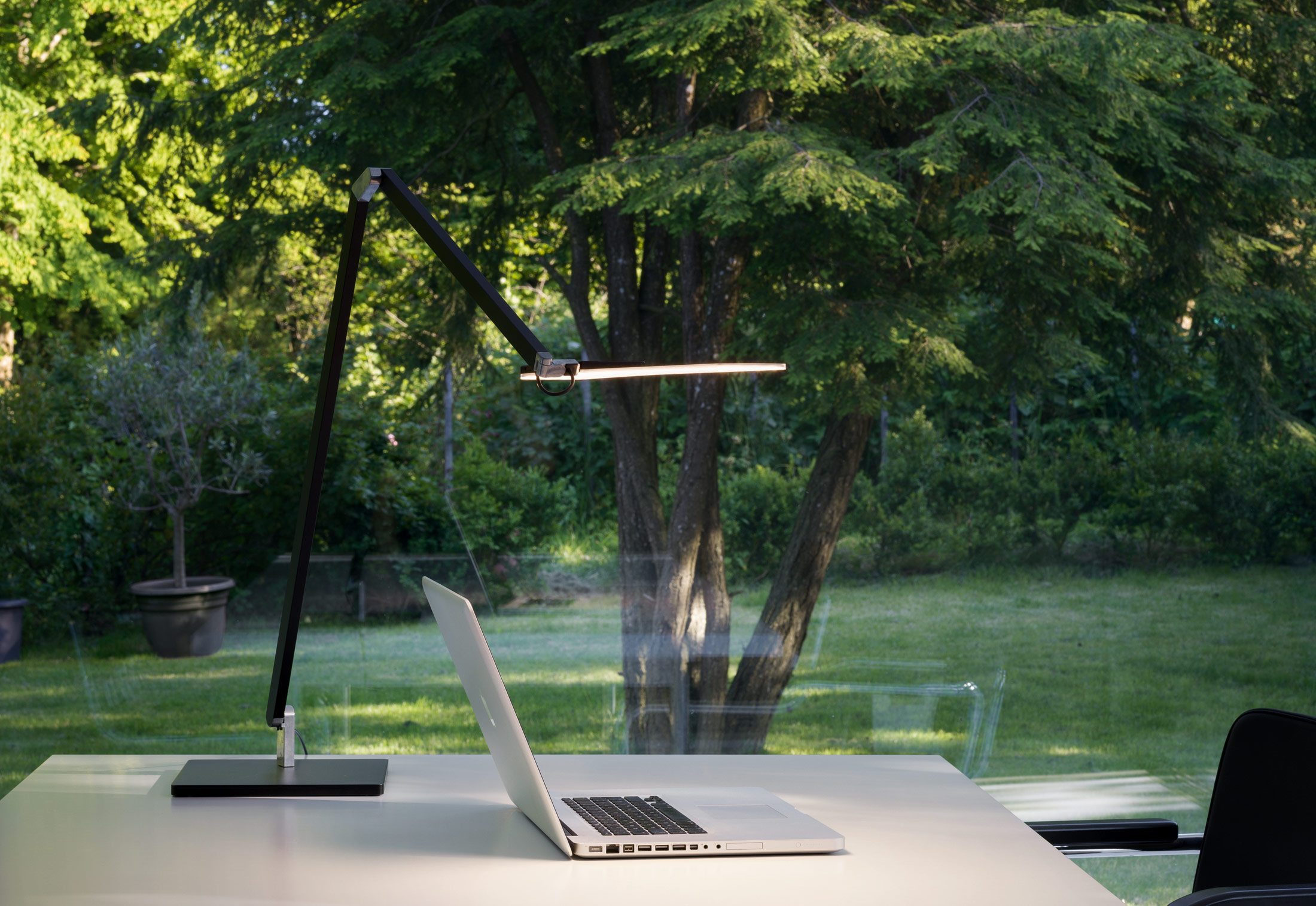 Roxxane office table lamp by Nimbus Group STYLEPARK