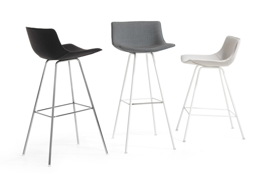 Comet Sport bar stool