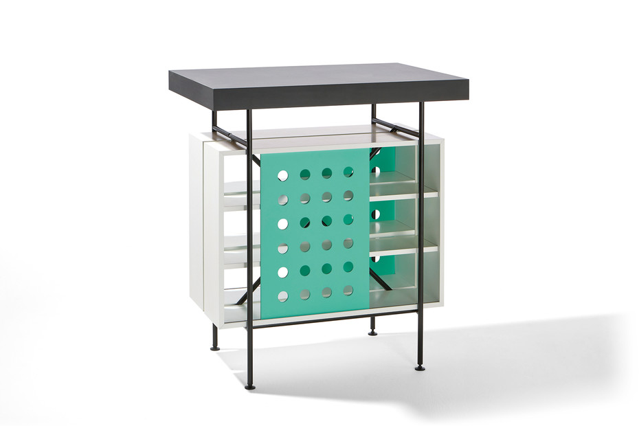 Milla standing table