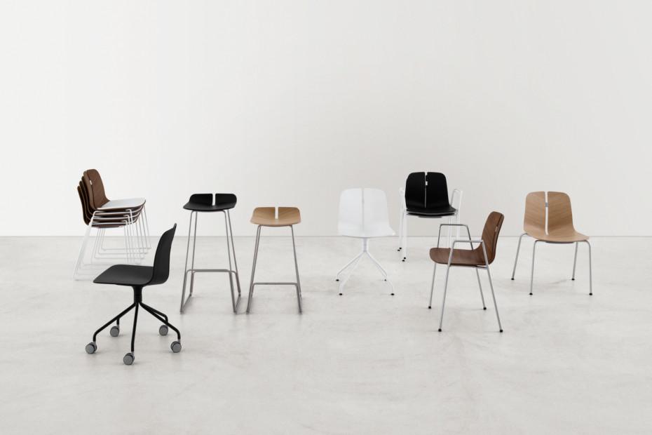 Link bar stool