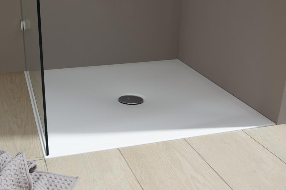 Indura shower tray