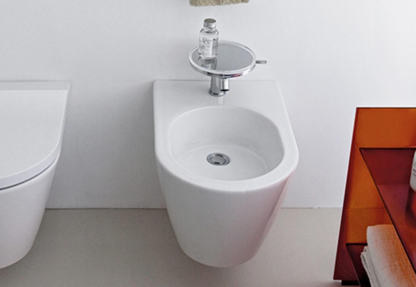 kartell by laufen bidet by laufen stylepark. Black Bedroom Furniture Sets. Home Design Ideas