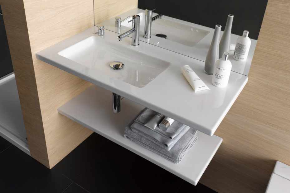 Living square washbasin small