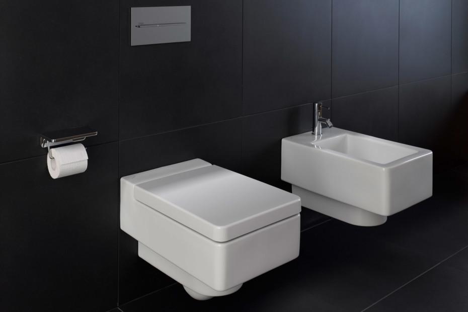 Living square WC