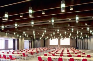 Pendelleuchte Kongresssaal  von  LFF Licht Form Funktion