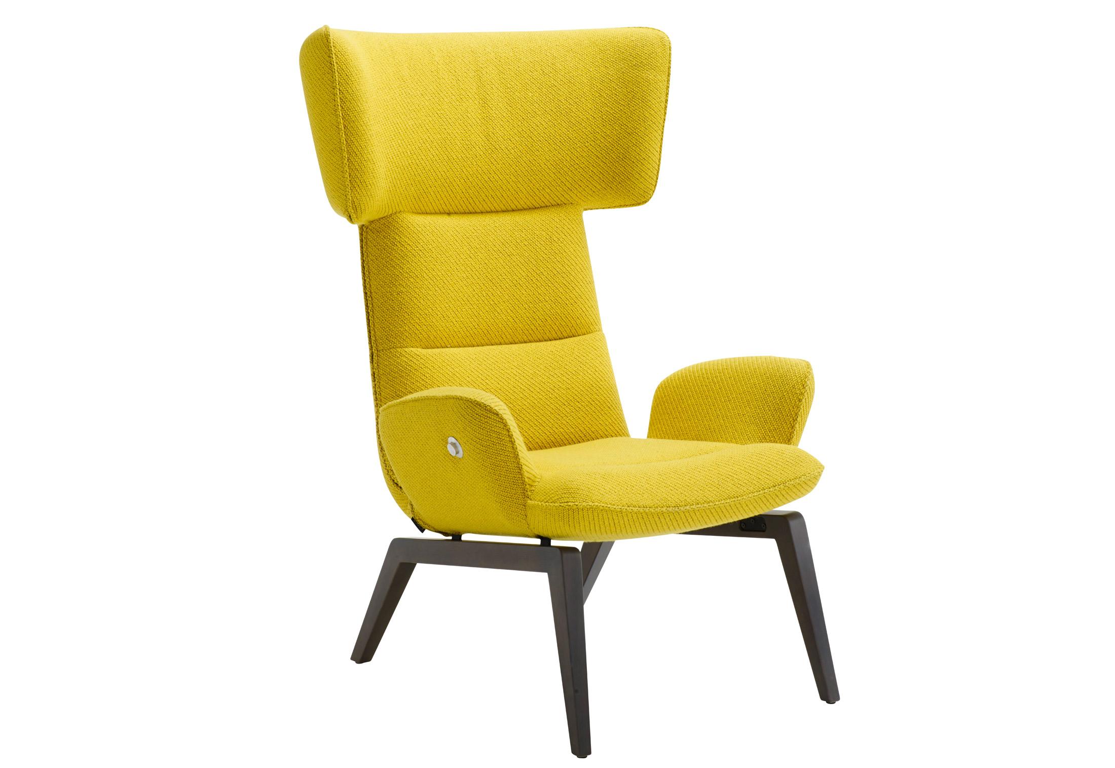 chair mit holzgestell von ligne roset stylepark. Black Bedroom Furniture Sets. Home Design Ideas