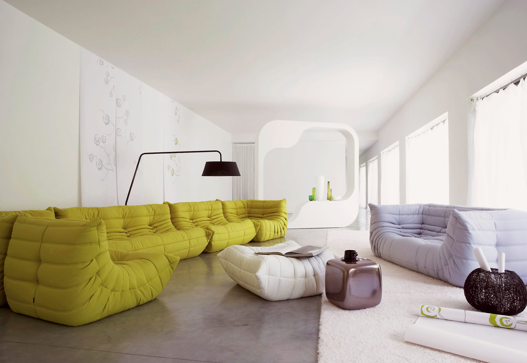 TOGO Sofa With Armrests