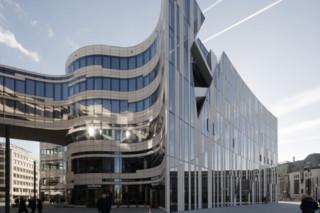 Projekt Kö-Bogen, glass facade  by  Lindner Group