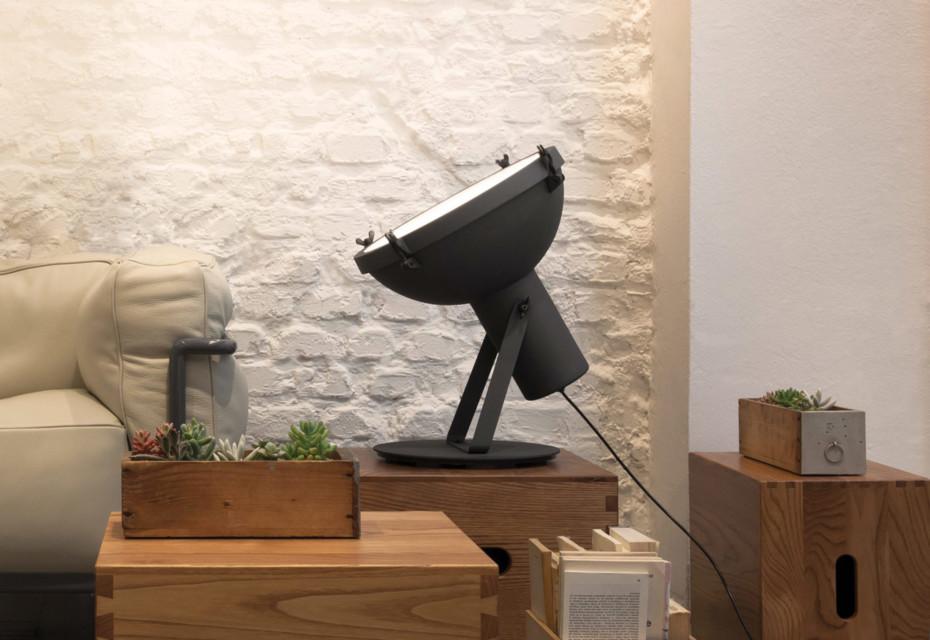 Projecteur 365 table lamp