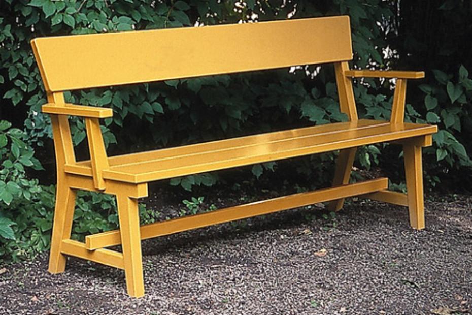 Hjorthagen backed bench