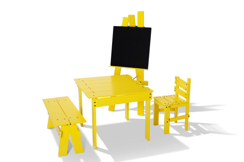 Play bench