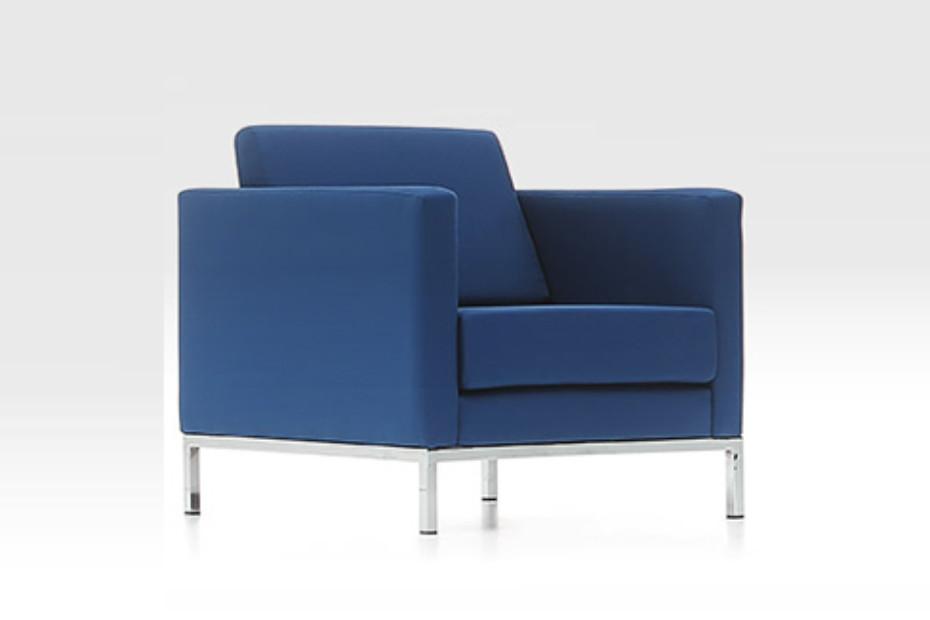 Luna armchair
