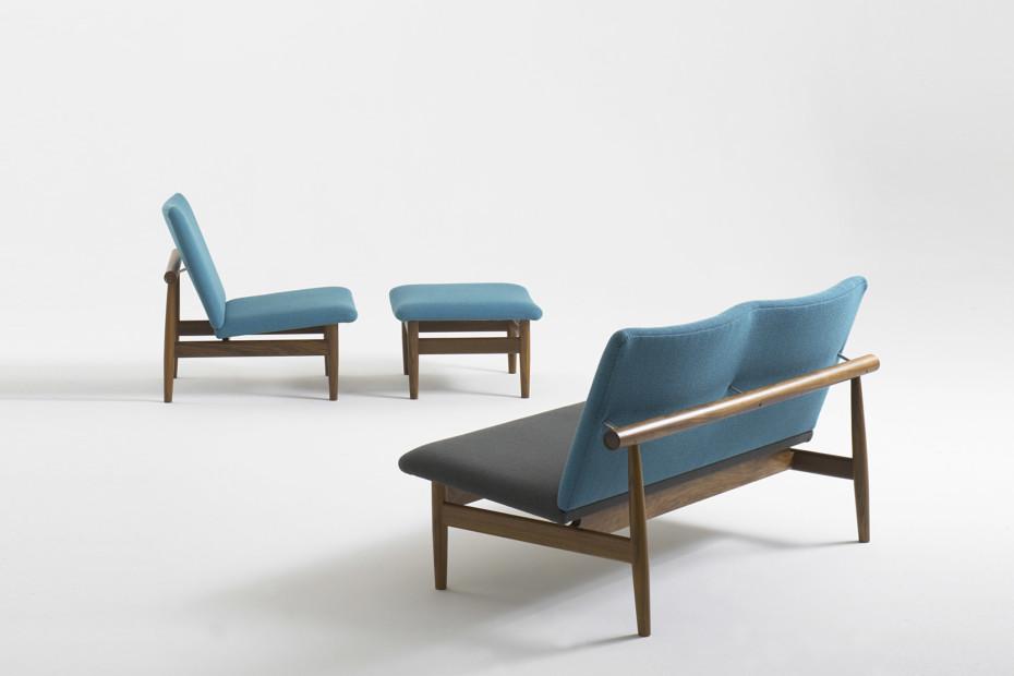 Model 137 sofa