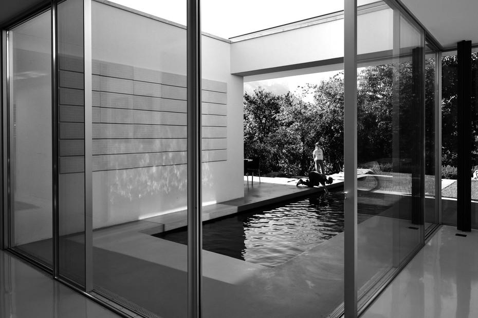Aluminium corner sliding window, Villa E