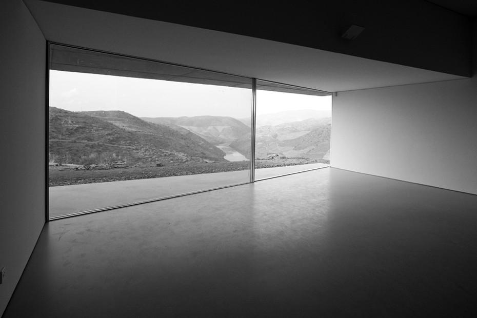 Aluminium sliding window, Art and Archaelogy Museum