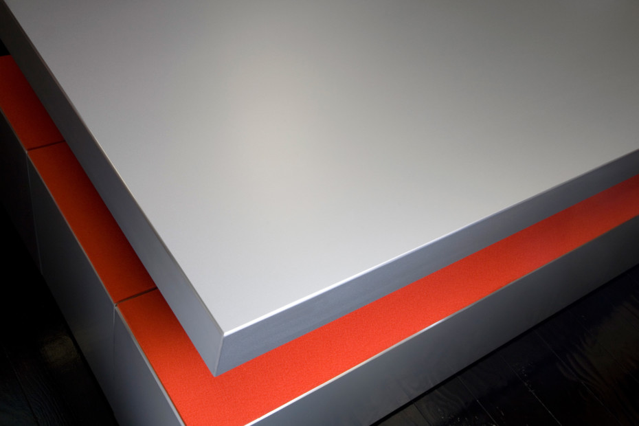Anodised alu table & benches