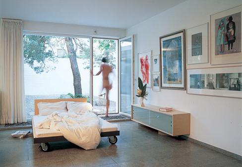 bett auf rollen von performa stylepark. Black Bedroom Furniture Sets. Home Design Ideas