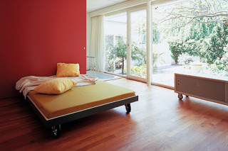 t-line bed  by  performa