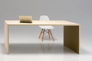 u-desk  by  performa