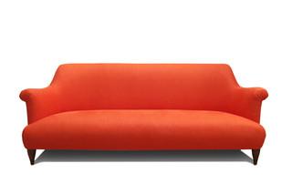 Goddard Sofa  von  Pinch