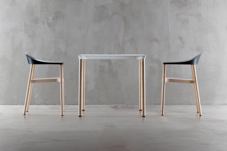 Monza table square