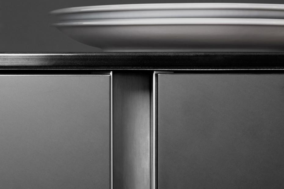 P´7350 schwarz Design by Studio F. A. Porsche