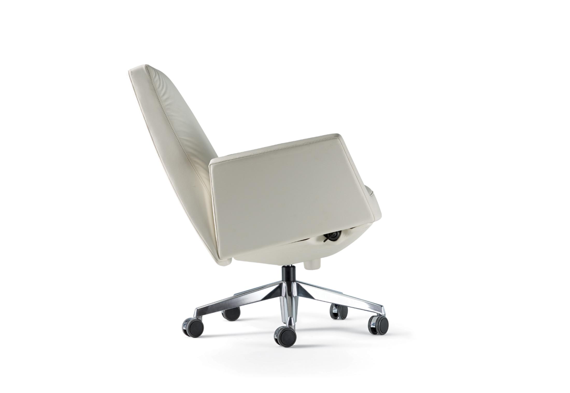 Chancellor Swivel Chair Low By Poltrona Frau Stylepark