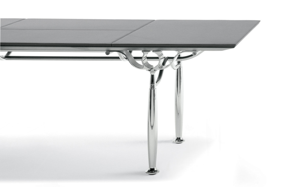 Corinthia Desk