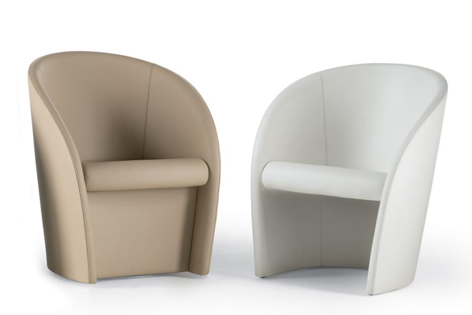 Interviste swivel armchair