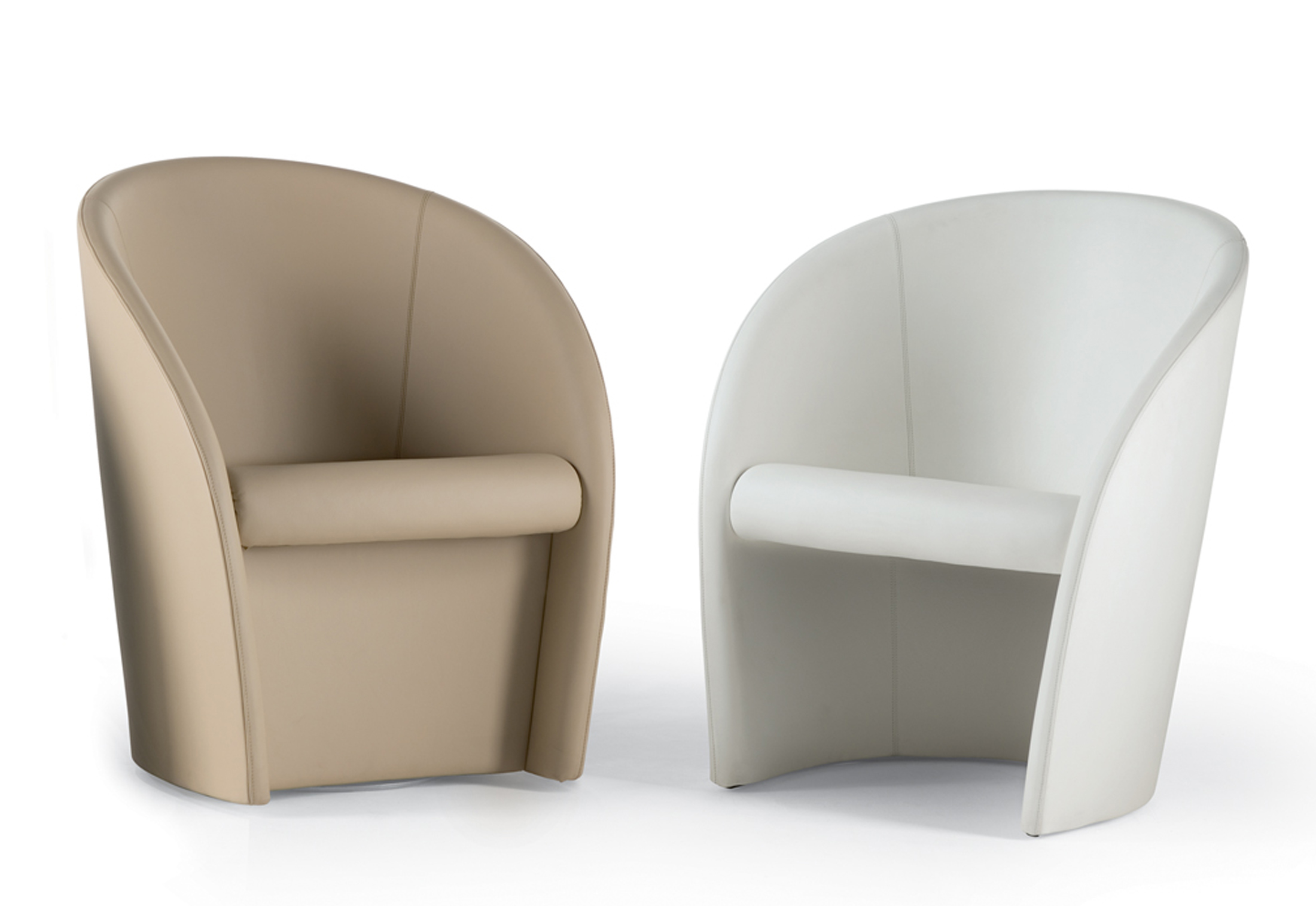 Interviste swivel armchair by Poltrona Frau | STYLEPARK