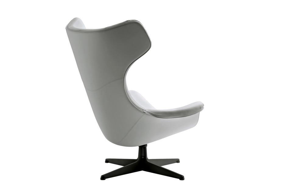 Regina II armchair