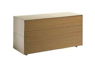Vitruvio 3-drawer  by  Poltrona Frau