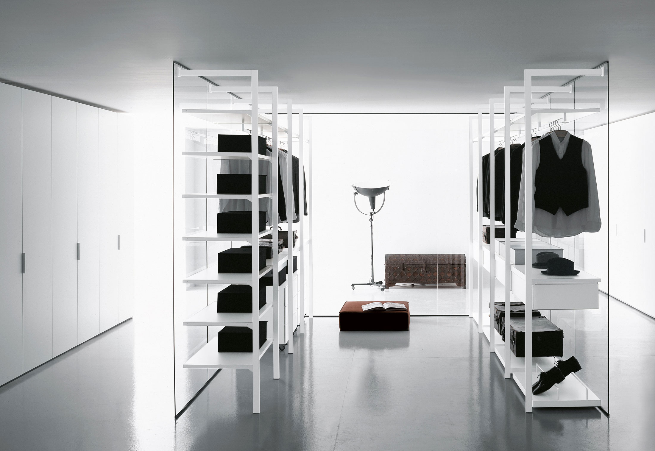 Cabina Armadio Walk In Closets : Storage cabina armadio walk in closet by porro stylepark