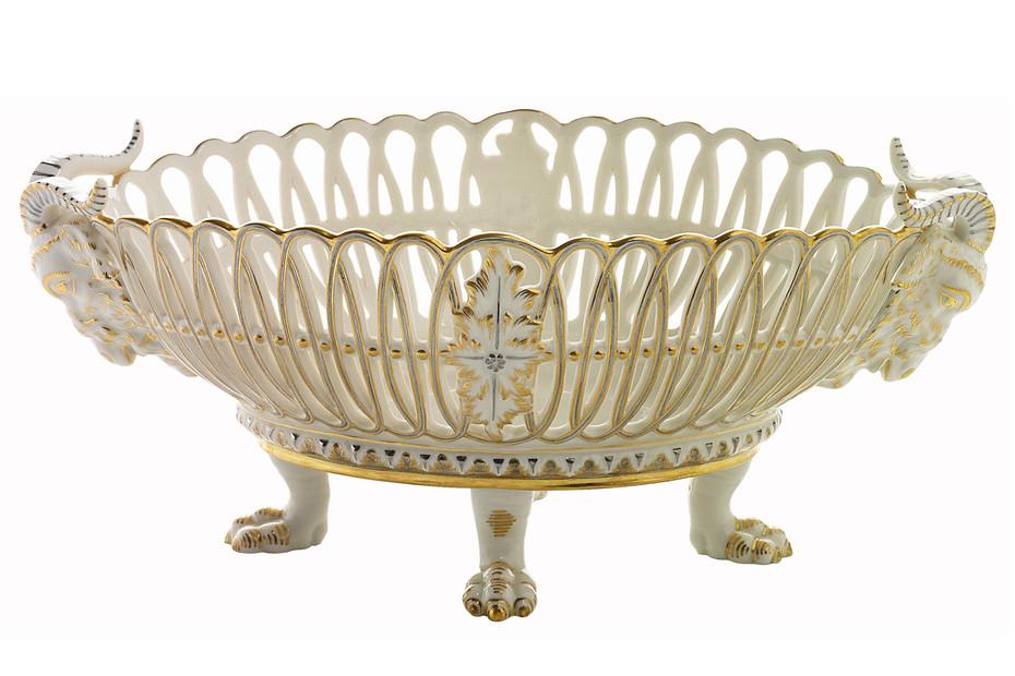 Basket 876 with ram's heads