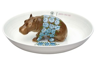 Bowl with hippopotamus  by  Porzellan-Manufaktur Nymphenburg