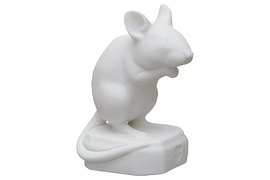 Mouse sitting No.474q