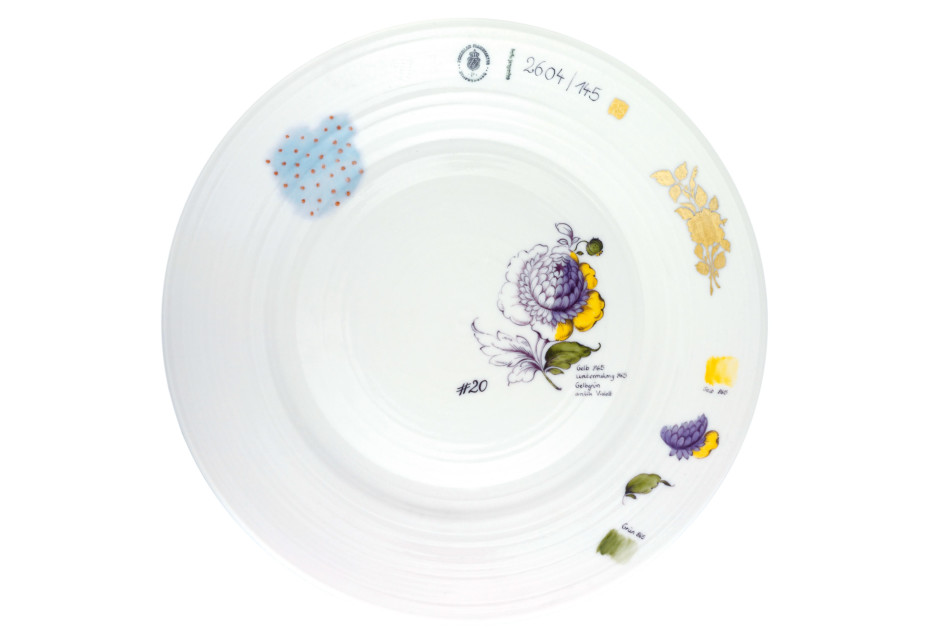 Plate décor flowers