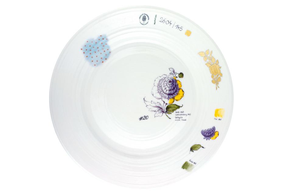 Plate décor flowers