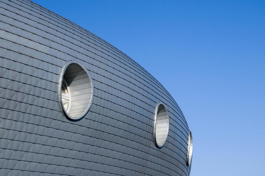 Roof and facade shingles, zinc grey