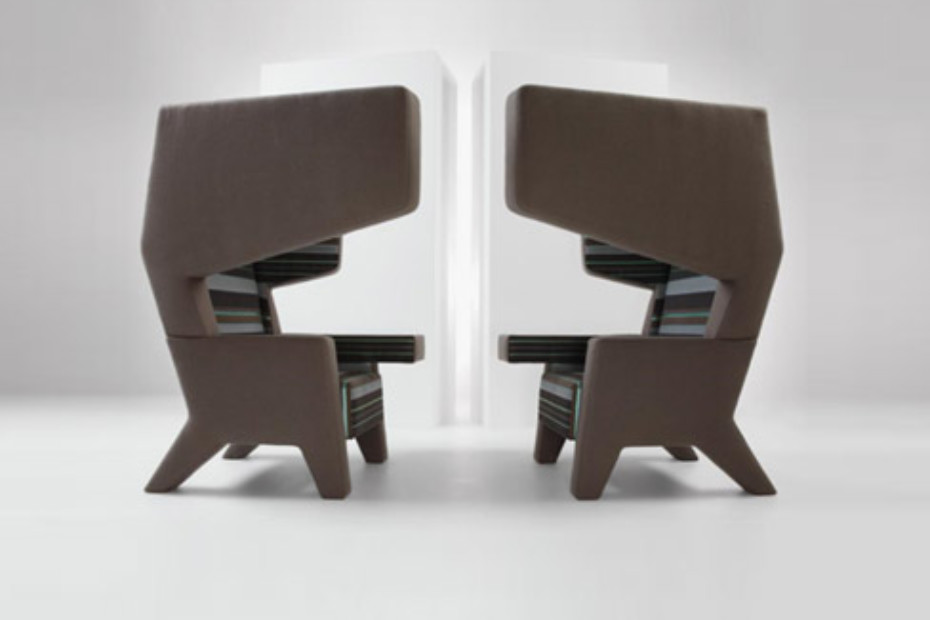 #001 EarChair Type 1
