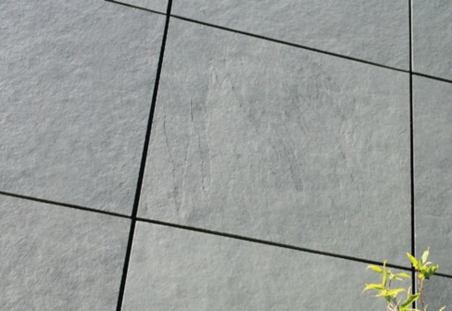 Schiefer Symmetrische Deckung mit Hinterschnitttechnik