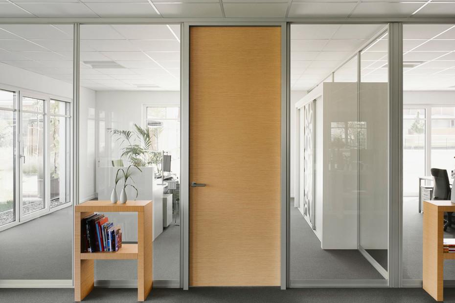 Trennwandsysteme S1500 Gleittürsystem Holztür