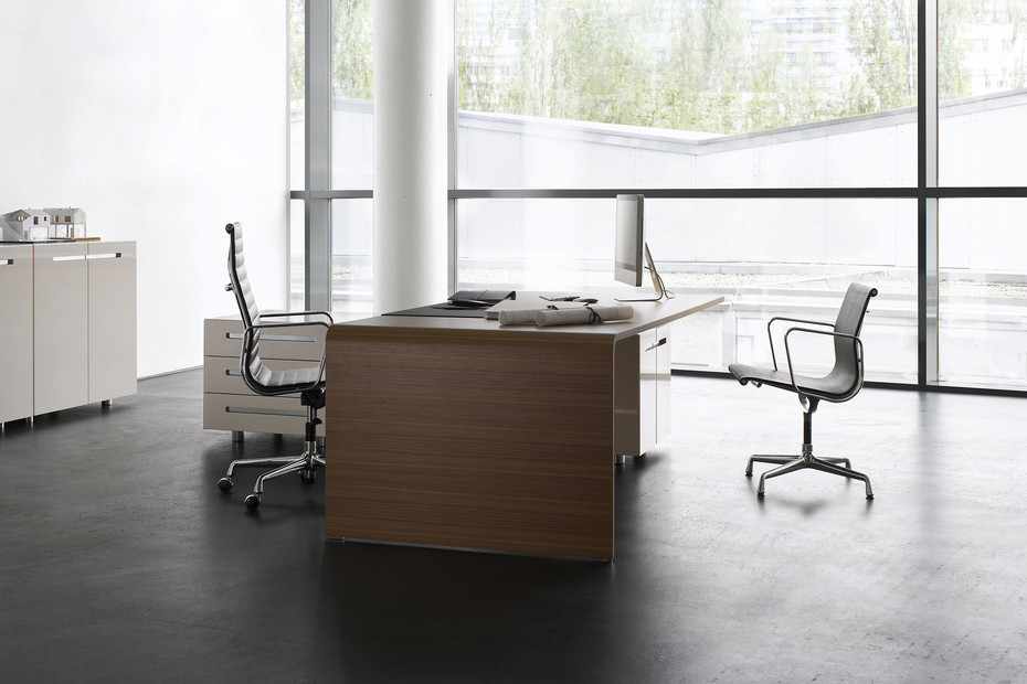 Lane desk