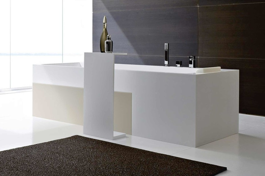 Argo bathtubs table