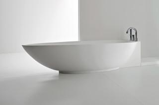 Boma bathtub  by  Rexa Design