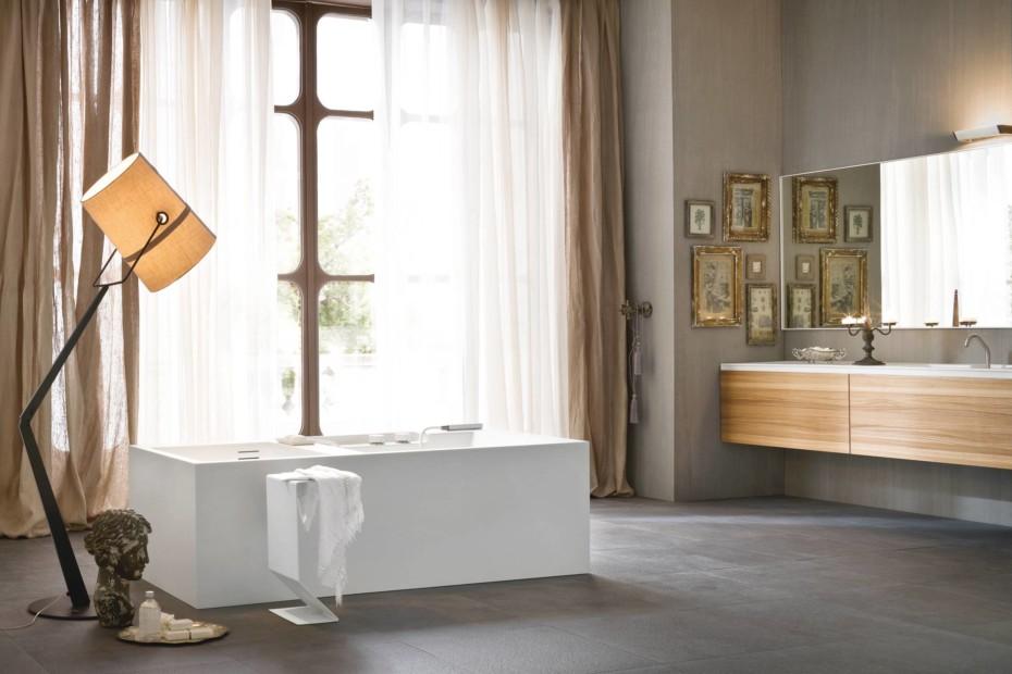Ergo-nomic bathtub