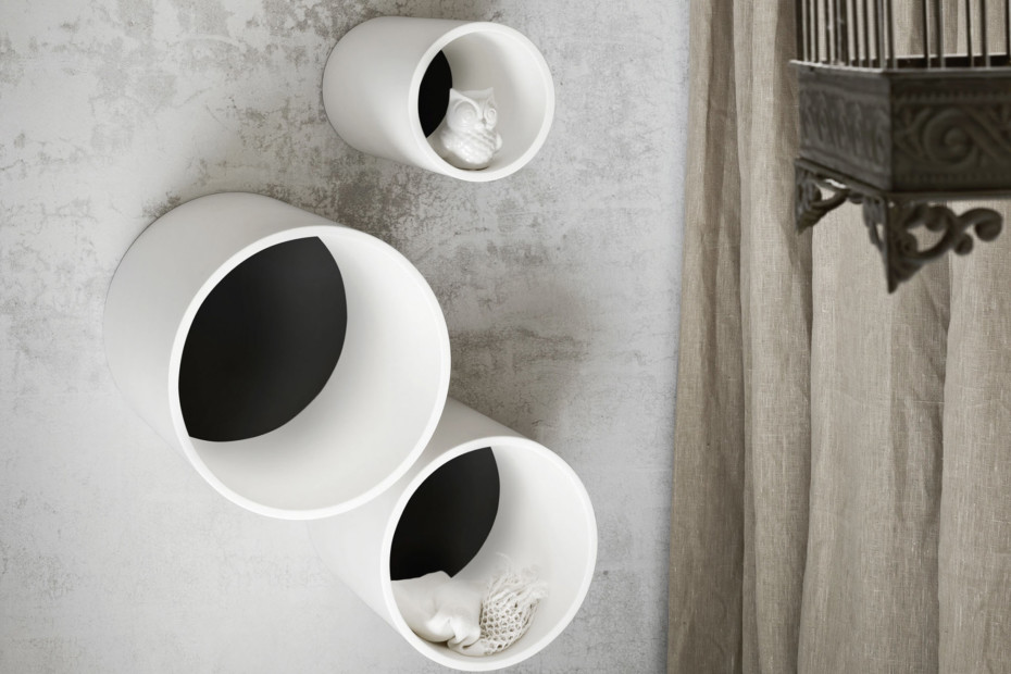 Hole bath shelf